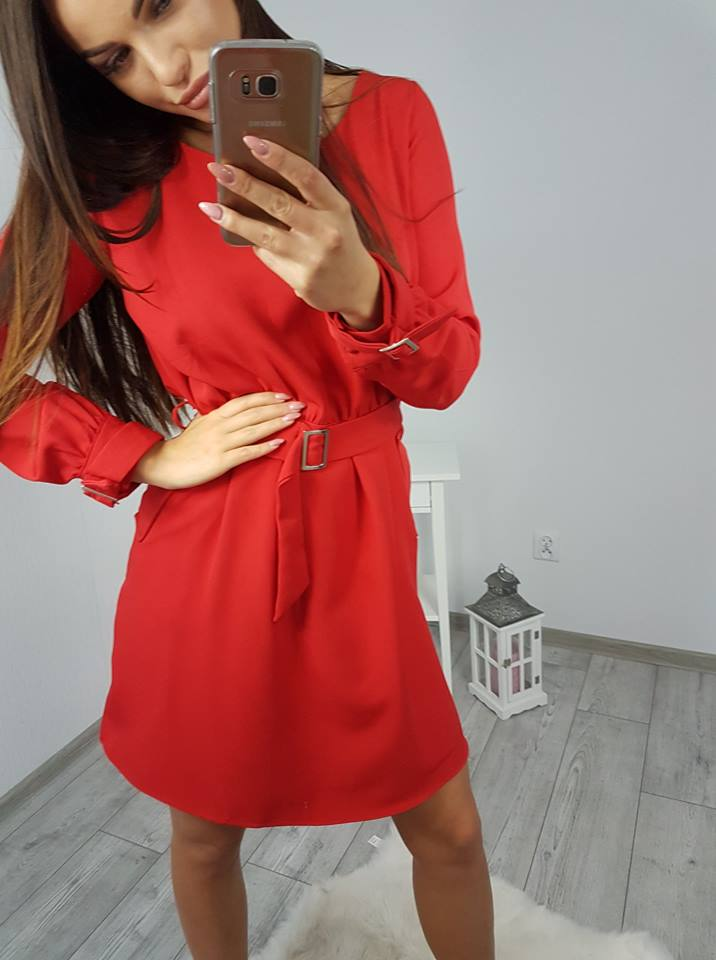 539b3a83dc Moderné šaty s opaskom - červená