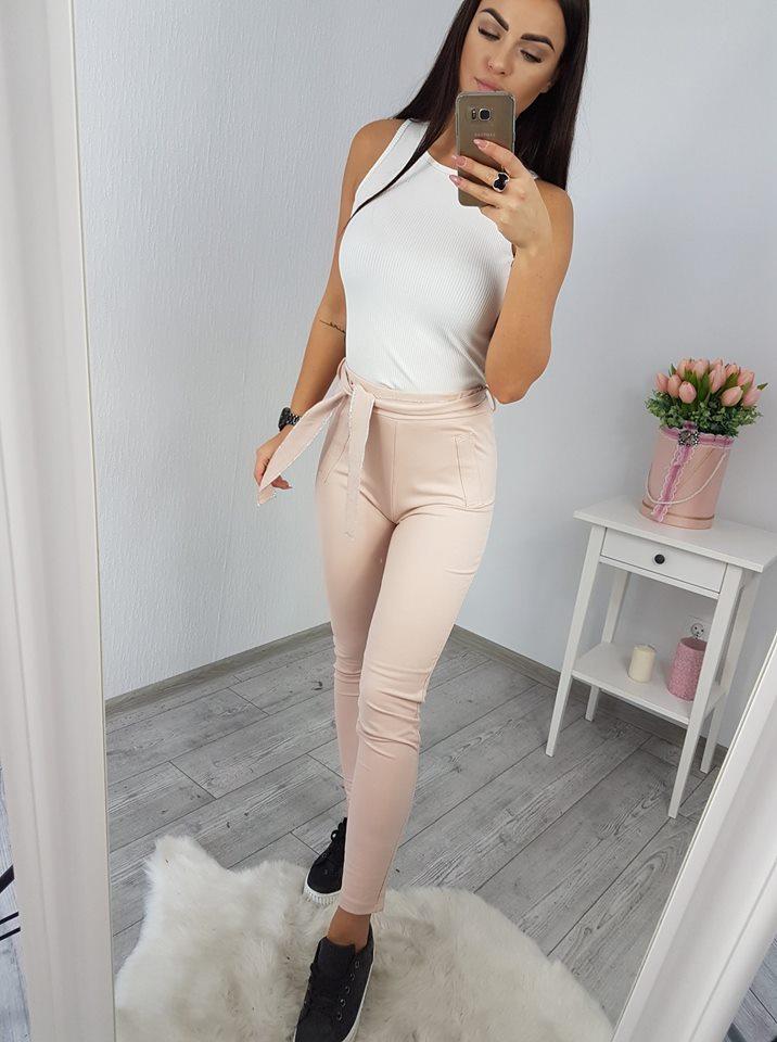 b9c9c2fbdbbc Štýlové nohavice s ozdobným pásom - svetlo ružová